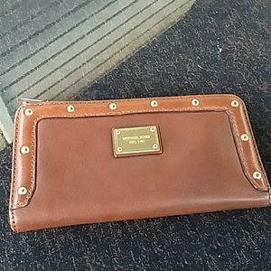 Micheal Kors Astor wallet